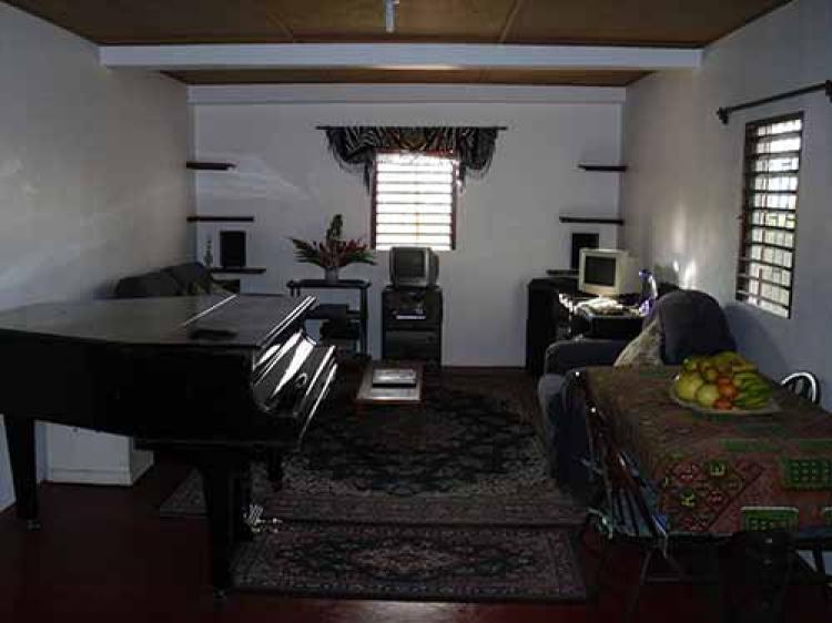 Maison de campagne louer montego bay saint james for Acheter maison jamaique